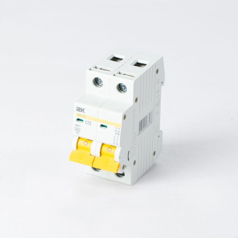 Автоматический выключатель двухполюсный 25А IEK