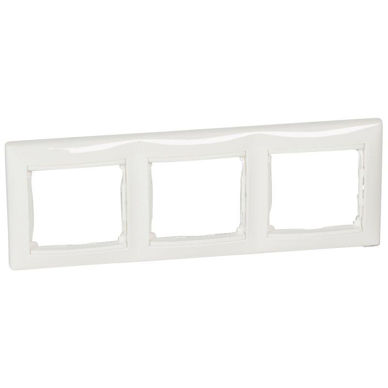 Рамка 3-местная белая вертикальная VALENA LEGRAND 774457 фото