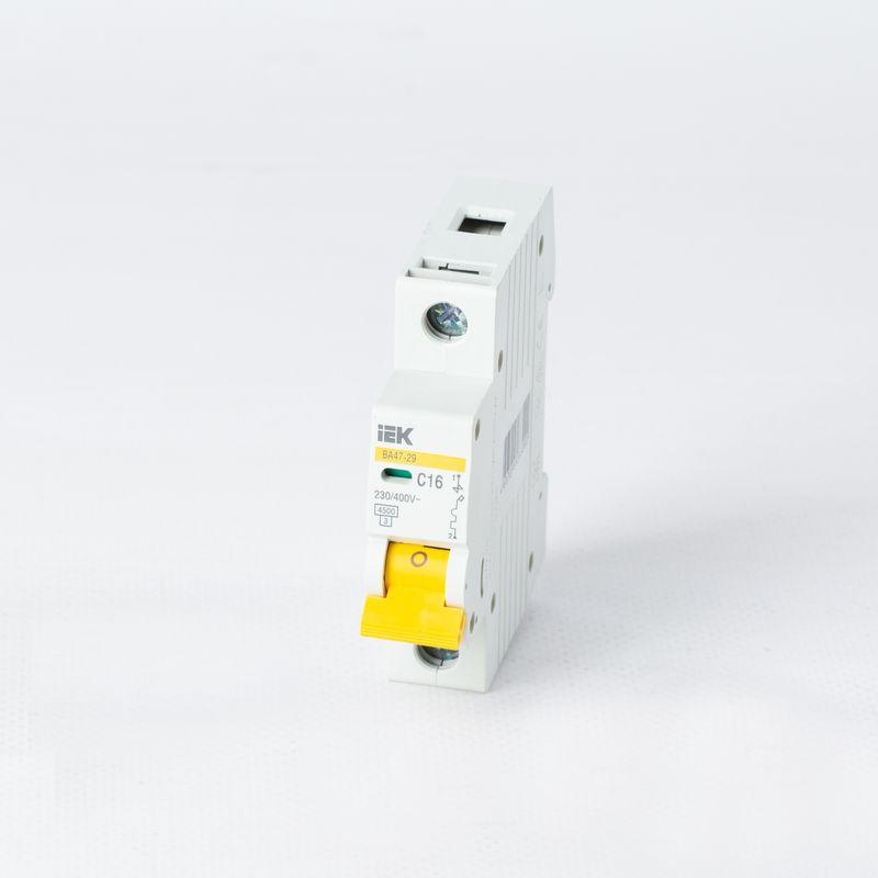 Автоматический выключатель однополюсный 16А IEK фото