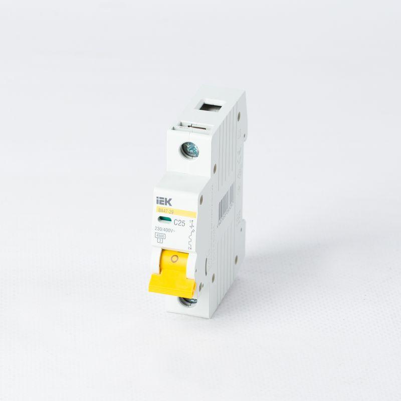 Автоматический выключатель однополюсный 25А IEK фото
