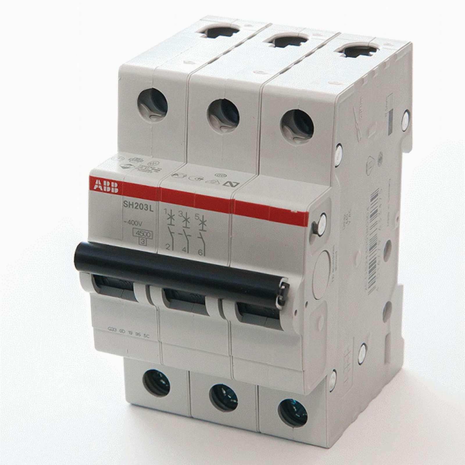Автоматический выключатель трехполюсной 4.5кА SH203L 40А АВВ