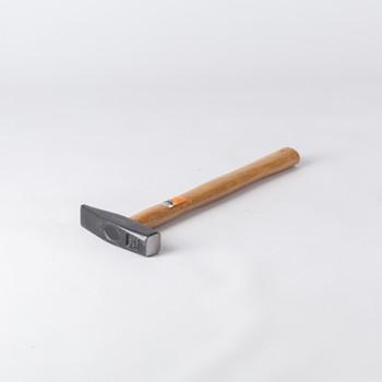 Молоток 400гр. оцинкованный с деревянной рукояткой