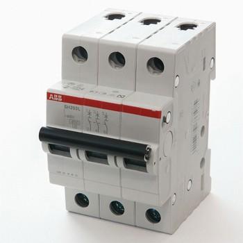 Автоматический выключатель трехполюсной 4.5кА SH203L 32А АВВ