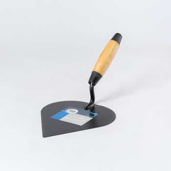 Кельма штукатура (сердце) с деревянной усиленной ручкой