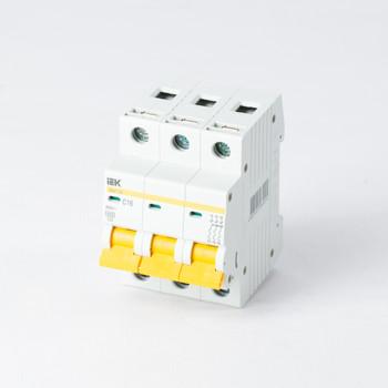 Автоматический выключатель трехполюсный 16А IEK