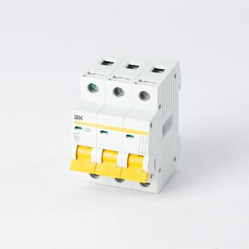 Автоматический выключатель трехполюсный 32А IEK