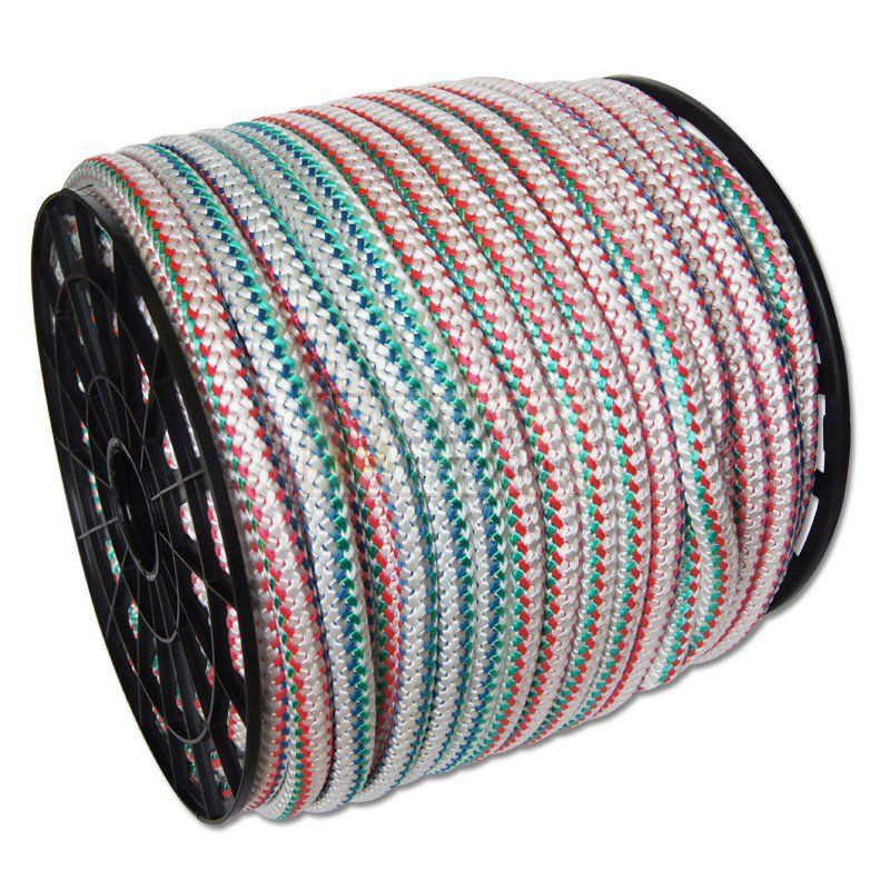 Шнур хозяйственный усиленный (нейлоновый) d=20 мм, цветной, 100 м, на катушкеШнур хозяйственный, усиленный, нейлоновый на катушке, d=20 мм, 100 м<br><br>Универсальный разноцветный нейлоновый шнур для применения в быту.<br><br>НАЗНАЧЕНИЕ:<br><br>Используется для внутренней и внешней отделки межвенцовых соединений в постройках из бруса и бревен;<br><br>Применим при дизайне и обустройстве интерьера помещений;<br><br>Подходит для хозяйственных целей для обвязки, упаковки, шнуровки.<br><br>ПРЕИМУЩЕСТВА:<br><br>Длина нейлонового шнура &amp;ndash; 100 метров, диаметр &amp;ndash; 20мм;<br><br>Долговечность (усиленный &amp;ndash; прочный на разрыв, выдерживает высокие нагрузки; гибкость; влагостойкость; не подвержен гниению; устойчивость к влиянию температур, ультрафиолета, химических соединений; долгий срок службы);<br><br>Удобство в использовании (удобство и простота в применении; на катушке &amp;ndash; для удобства использования, транспортировки и хранения).<br>Длина: 100 м; Тип упаковки: Катушка; Применение: Хозяйственный; Цвет: Разноцветный;
