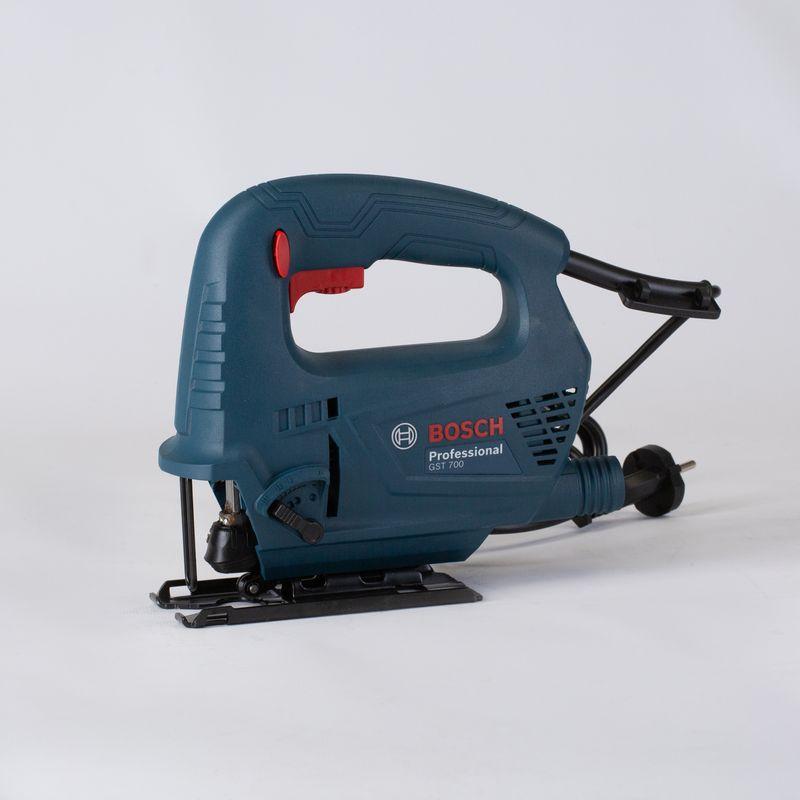 Лобзик электрический BOSCH GST 8000 E/ 700