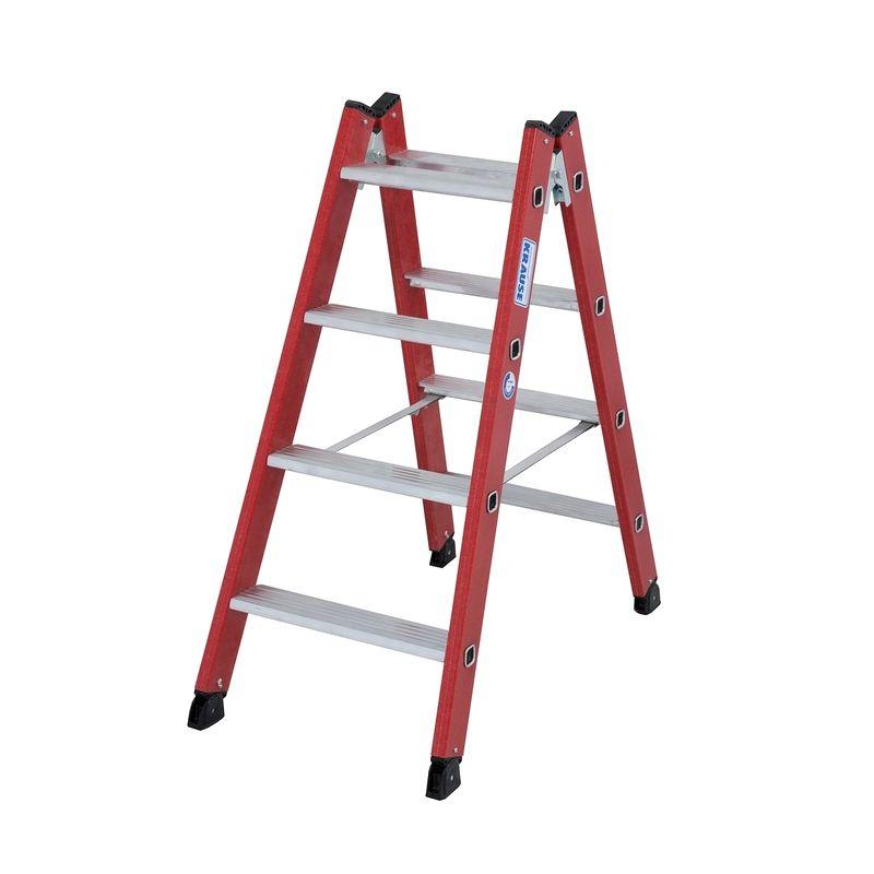 Двусторонняя стремянка KRAUSE 2 секции 4 ступениДвусторонняя лестница-стремянка из стеклопластика с алюминиевыми ступенями 2x4, Krause<br><br>Анодированная&amp;nbsp;алюминиевая&amp;nbsp;стремянка&amp;nbsp;одностороннего&amp;nbsp;типа&amp;nbsp;с&amp;nbsp;4&amp;nbsp;перекладинами,&amp;nbsp;рабочей&amp;nbsp;высотой&amp;nbsp;до&amp;nbsp;2,85&amp;nbsp;метра,&amp;nbsp;<br><br>высотой&amp;nbsp;площадки&amp;nbsp;0,85&amp;nbsp;метра,&amp;nbsp;для&amp;nbsp;бытового&amp;nbsp;использования.<br><br>НАЗНАЧЕНИЕ:<br><br>Обеспечивает&amp;nbsp;доступ&amp;nbsp;к&amp;nbsp;объектам,&amp;nbsp;расположенным&amp;nbsp;на&amp;nbsp;высоте&amp;nbsp;до&amp;nbsp;2,85&amp;nbsp;метров:&amp;nbsp;отделочные&amp;nbsp;работы&amp;nbsp;(покраска,&amp;nbsp;побелка,&amp;nbsp;оклейка&amp;nbsp;обоями&amp;nbsp;и&amp;nbsp;пр.),&amp;nbsp;<br><br>монтажные&amp;nbsp;и&amp;nbsp;ремонтные&amp;nbsp;манипуляции&amp;nbsp;(крепеж&amp;nbsp;полок,&amp;nbsp;навесных&amp;nbsp;шкафов,&amp;nbsp;монтаж&amp;nbsp;и&amp;nbsp;обслуживание&amp;nbsp;коммуникаций&amp;nbsp;и&amp;nbsp;пр.),&amp;nbsp;<br><br>бытовые&amp;nbsp;нужны&amp;nbsp;(достать&amp;nbsp;предмет&amp;nbsp;с&amp;nbsp;верхней&amp;nbsp;полки,&amp;nbsp;убрать&amp;nbsp;сезонную&amp;nbsp;одежду&amp;nbsp;на&amp;nbsp;антресоль&amp;nbsp;и&amp;nbsp;т.п.);<br>Использование&amp;nbsp;внутри&amp;nbsp;помещений,&amp;nbsp;где&amp;nbsp;необходима&amp;nbsp;чистота&amp;nbsp;и&amp;nbsp;комфорт.<br><br>ПРЕИМУЩЕСТВА:<br><br>Стойки,&amp;nbsp;соединенные&amp;nbsp;шарнирным&amp;nbsp;креплением,&amp;nbsp;дают&amp;nbsp;возможность&amp;nbsp;использовать&amp;nbsp;стремянку&amp;nbsp;в&amp;nbsp;местах,&amp;nbsp;где&amp;nbsp;нет&amp;nbsp;вертикальной&amp;nbsp;<br><br>опоры&amp;nbsp;(например,&amp;nbsp;в&amp;nbsp;центре&amp;nbsp;помещения);<br>Мобильность&amp;nbsp;и&amp;nbsp;маневренность:&amp;nbsp;возможность&amp;nbsp;легко&amp;nbsp;перемещать&amp;nbsp;из&amp;nbsp;одной&amp;nbsp;рабочей&amp;nbsp;зоны&amp;nbsp;в&amp;nbsp;другую,&amp;nbsp;а&amp;nbsp;также&amp;nbsp;использовать&amp;nbsp;<br><br>в&amp
