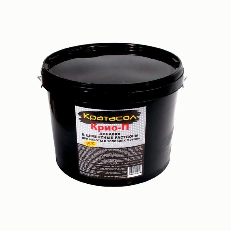 Добавка противоморозная Кратасол Крио-П, 10 лДобавка противоморозная Кратасол Крио-П, 10 л<br><br>Противоморозная жидкая добавка на цементной основе для бетонных растворов.<br><br>НАЗНАЧЕНИЕ:<br><br>Предназначена для того, чтобы исключить замерзание бетонного раствора в процессе выполнении строительных работ и транспортировке при отрицательных температурах;<br><br>Способствует необходимому набору прочности раствора в условиях проведения работ в зимнее время;<br><br>Применима при изготовлении сборных железобетонных конструкций как ускоритель для затвердевания при температуре тепловой обработки не более +700С.<br><br>ПРЕИМУЩЕСТВА:<br><br>Производительность (ускоряет время твердения и повышает удобоукладываемость бетонных растворов)<br><br>Долговечность (повышает морозостойкость бетона, не образует налета на поверхности из солей и щелочей; препятствует коррозийному растрескиванию; не убавляет защитные свойства бетона относительно стальной арматуры);<br><br>Безопасность &amp;ndash; добавка не содержит и не выделяет токсичных веществ, безопасна для человека, не воспламеняется;<br><br>Удобство в эксплуатации (позволяет производить работы с бетонными растворами до -250С; не содержит хлоридов &amp;ndash; возможно использование при изготовлении армированных и предварительно напряженных железобетонных конструкций)<br><br>РЕКОМЕНДАЦИИ:<br><br>Рекомендации по работе:<br><br>При работе с добавкой используйте защитные перчатки;<br><br>Добавку рекомендовано вводить в смесь в процессе затворения одновременно с водой (желательно с последней частью воды);<br><br>Не добавляйте средство в сухую смесь;<br><br>После того, как средство добавлено в раствор, необходимо тщательно его перемешать его для равномерного распределения;<br><br>При проведении работ в зимний период, необходимо использовать для затворения подогретую воду, чтобы получить в итоге бетонную смесь температурой от +150С до +250С;<br><br>Количество добавки, которое необходимо добавить в раствор зависит от нескольких факторов