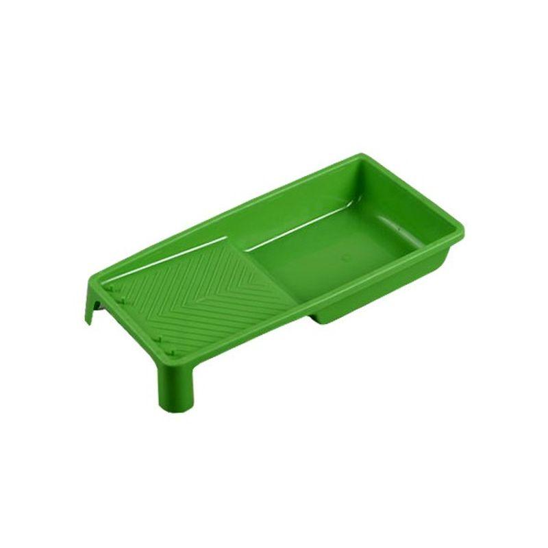 Ванночка для краски 15х29см, Т4РВанночка&amp;nbsp;для&amp;nbsp;краски&amp;nbsp;15х29&amp;nbsp;см<br><br>Пластиковая&amp;nbsp;ванночка&amp;nbsp;для&amp;nbsp;окрашивания&amp;nbsp;стен&amp;nbsp;валиком.<br><br>НАЗНАЧЕНИЕ:<br><br>Предназначена&amp;nbsp;для&amp;nbsp;валиков&amp;nbsp;шириной&amp;nbsp;не&amp;nbsp;более&amp;nbsp;13&amp;nbsp;см;<br>Тара&amp;nbsp;для&amp;nbsp;лака,&amp;nbsp;краски&amp;nbsp;или&amp;nbsp;грунтовки;<br>Равномерное&amp;nbsp;распределение&amp;nbsp;краски&amp;nbsp;по&amp;nbsp;валику;<br>Сцеживание&amp;nbsp;излишков&amp;nbsp;краски&amp;nbsp;с&amp;nbsp;валика.<br><br>ПРЕИМУЩЕСТВА:<br><br>Опорные&amp;nbsp;ножки&amp;nbsp;обеспечивают&amp;nbsp;устойчивость&amp;nbsp;лотка;<br>Диагональная&amp;nbsp;форма&amp;nbsp;рельефа&amp;nbsp;-&amp;nbsp;сток&amp;nbsp;краски&amp;nbsp;обратно&amp;nbsp;в&amp;nbsp;лоток;<br><br>РЕКОМЕНДАЦИИ:<br><br>При&amp;nbsp;выборе&amp;nbsp;ванночки&amp;nbsp;руководствоваться&amp;nbsp;тем,&amp;nbsp;что&amp;nbsp;она&amp;nbsp;должна&amp;nbsp;быть&amp;nbsp;на&amp;nbsp;2-3&amp;nbsp;сантиметра&amp;nbsp;шире&amp;nbsp;валика;<br>В&amp;nbsp;случае&amp;nbsp;последовательных&amp;nbsp;работ&amp;nbsp;с&amp;nbsp;красками&amp;nbsp;разного&amp;nbsp;цвета&amp;nbsp;застелите&amp;nbsp;поверхность&amp;nbsp;лотка&amp;nbsp;пищевой&amp;nbsp;пленкой.&amp;nbsp;<br><br>Закончив&amp;nbsp;работу&amp;nbsp;с&amp;nbsp;одной&amp;nbsp;краской,&amp;nbsp;удалите&amp;nbsp;пленку&amp;nbsp;и&amp;nbsp;продолжайте&amp;nbsp;работу&amp;nbsp;с&amp;nbsp;новым&amp;nbsp;цветом.<br>Бренд: T4P; Длина: 290 мм; Ширина: 150 мм; Материал: Пластмасса; Цвет: Черный; Страна производства: Китай;