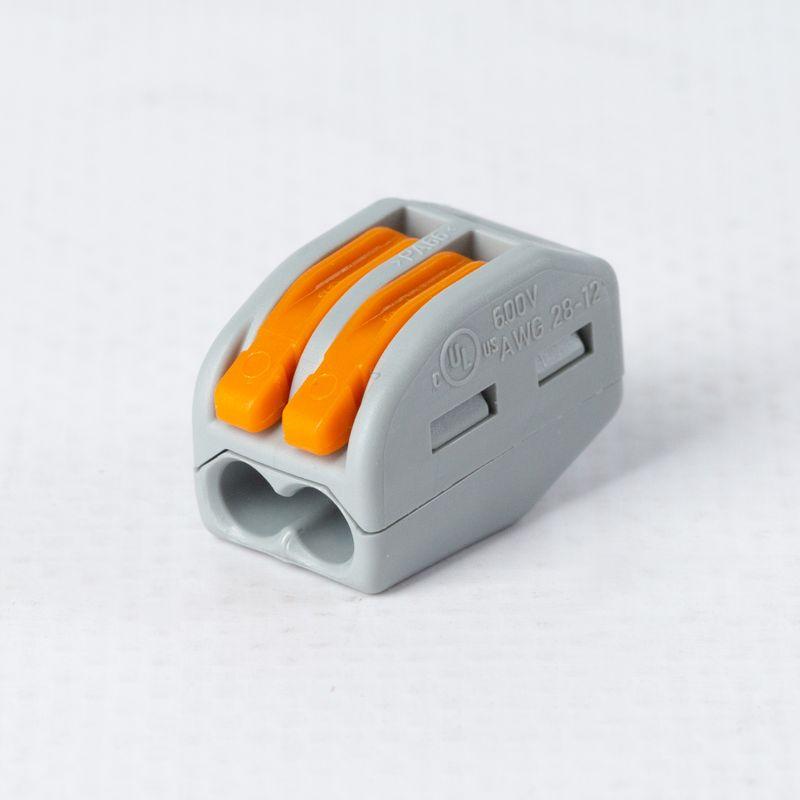 Клемма 2х(0.5-4.0) WAGO 222-412Клемма WAGO 222-412&amp;nbsp;2х&amp;nbsp;(0.5-4.0)<br><br>Двухзажимный&amp;nbsp;безвинтовой&amp;nbsp;клеммник&amp;nbsp;высокой производительности для электрических соединений профессионального и бытового применения.<br><br>НАЗНАЧЕНИЕ:<br><br>Монтаж и подключение электрических проводников.<br><br>ПРЕИМУЩЕСТВА:<br><br>Высокая производительность (напряжение 400 В);<br>Долговечность (диэлектрический корпус; материал &amp;ndash; жаростойкая морозостойкая устойчивая к коррозии пластмасса; защита от воды и пыли);<br>Универсальность (возможно применять для соединения медных и алюминиевых, одножильных и многожильных проводов в сети переменного тока);<br>Безопасность (защита от выпадения; рычаг управления);<br>Удобство в использовании (небольшой вес для моделей данного класса &amp;ndash; 0,02 кг; компактные габариты; два зажима в комплекте).<br>Страна производитель: Китай; Бренд: WAGO; Назначение: Для соединения проводов; Тип зажима: Рабочий рычаг; Артикул: 222-412; Количество зажимов: 2; Сечение провода: 0,5-4 мм?; Номинальный ток: 32 А; Номинальное напряжение: 400 В; Наличие пасты: Нет; Материал корпуса: Самозатухающий пластик; Температура эксплуатации: До 85 °C; Высота: 14,5 мм; Ширина: 12,4 мм; Длина: 20,5 мм; Количество в упаковке: 50 шт;