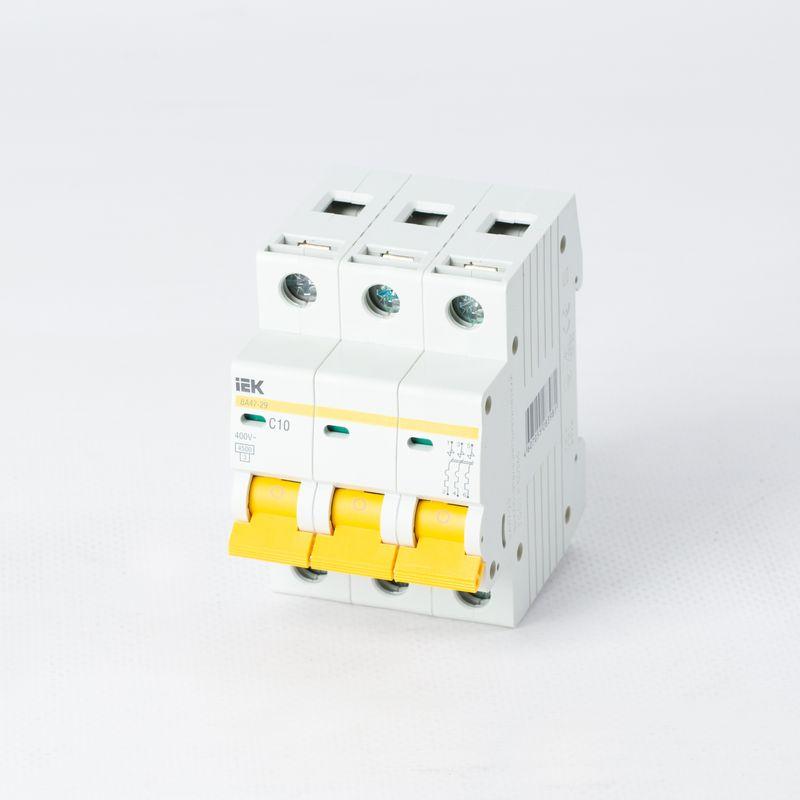 Выключатель автоматический модульный 3п C 10А 4.5кА ВА47-29 ИЭК MVA20-3-010-C