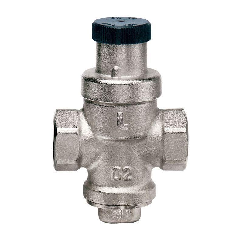Редуктор давления 1/2 Minibrass (вх.15бар/вых.1-4бар, темп. до 80°С, б/отв п/ман) ITAP 360Редукторы давления Itap Minibrass, или редукционные клапаны, предназначены для ограничения давления в системах отопления и водоснабжения. Кроме основного назначения, сохранять в целостности бытовое гидротехническое оборудование, такое как трубы и водоразборные устройства (краны, гибкие подводки и смесители) эти устройства позволяют уменьшить скорость затопления помещения в случае разрыва системы. Если редукторы давления установлены на всех этажах многоэтажного дома, то существенно снижается водоразбор в часы пик и вода «доходит» до верхних этажей. Редукторы позволяют предотвращать гидроудары и предохранять от выхода из строя различные измерительные устройства, такие как манометры. Резкое увеличение давления на входе редукционного клапана на 100% приводит к увеличению на выходе всего на 15%.Редуктор давления имеет заводскую настройку на 3 Бара.<br>Входное давление: 15 Бар; Выходное давление: 1-4 Бар; Тип резьбы: ВР; Диаметр резьбы: 1/2 ; Максимальная рабочая температура: + 80 °С; Отверстие под манометр: Нет; Материал корпуса: Никелированная латунь; Бренд: Itap; Страна производитель: Италия; Модель: Minibrass;