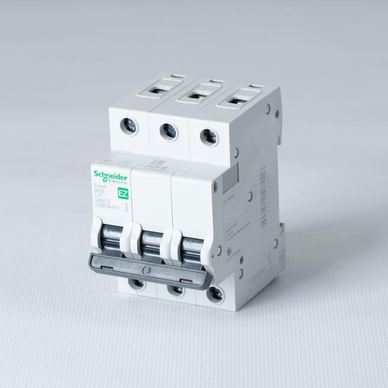 Выключатель автоматический модульный 3п C 10А 4,5кА EASY9 =S= SchE EZ9F34310