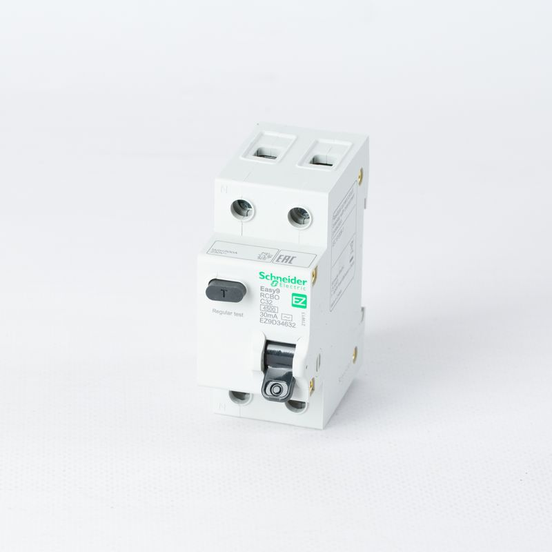 Выключатель автоматический дифференциального тока 2п (1P+N) C 32А 30мА тип AC 4,5кА EASY9 2мод. SchE EZ9D34632