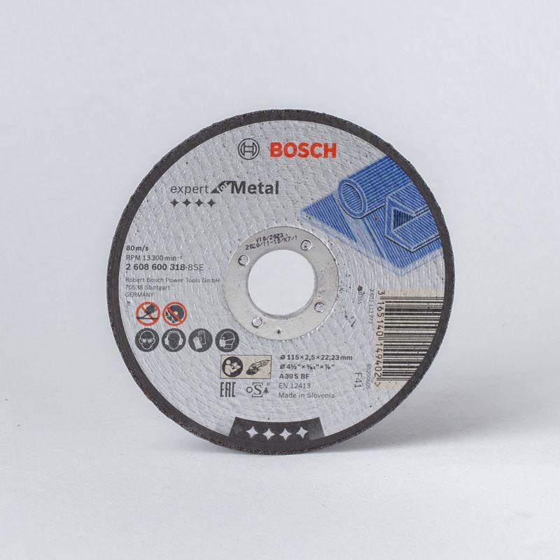 Круг по металлу отрезной 115х2,5мм, BOSCH<br>КРУГ ПО МЕТАЛЛУ ОТРЕЗНОЙ 115Х2,5ММ, BOSCH<br><br>Абразивный расходный сменный элемент для ушм<br><br>НАЗНАЧЕНИЕ:<br><br>Для сухой резки металла<br><br>Для быстрых и чистых пропилов без заусениц и изменения цвета<br><br>Для УШМ с линейной скоростью не более 80 м/с<br><br>ПРЕИМУЩЕСТВА:<br><br>Повышенная прочность<br><br>Сохраняет режущие характеристики на протяжении всего срока эксплуатации<br><br>МЕРЫ ПРЕДОСТОРОЖНОСТИ:<br><br>Перед применением читайте инструкцию<br><br>Не используйте круги с повреждениями<br><br>Не приступайте к работе в состоянии алкогольного опьянения<br><br>Работайте с диском с рекомендованным диаметром<br><br>Не превышайте частоту вращения указанную на упаковке<br><br>&amp;nbsp;<br><br>&amp;nbsp;<br><br>Бренд: Bosch; Модель: Expert for Metal; Код производителя: 2608600318; Тип диска: Абразивный; Наружный диаметр: 115 мм; Посадочный диаметр: 22,23 мм; Тип реза: Сухой рез; Форма: Прямой; Зернистость: 30; Назначение: По металлу; Покрытие: Электрокорунд; Макс. рабочая скорость: 13300 об/мин; Толщина: 2,5 мм; Количество в упаковке: 1  шт; Родина бренда: Германия; Страна производитель: Словения; Вес: 0,059 кг;