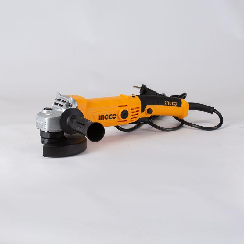Шлифмашина угловая INGCO AG10108-5УШМ INGCO AG 12008.3 (1200 Вт, 0-11000 об/мин, 125 мм, М14)<br><br>Угловая шлифовальная машина с регулировкой оборотов и шлифовальным<br>диском диаметром 125 мм для бытового использования в ремонтных и<br>демонтажных работах.&amp;nbsp;<br><br>НАЗНАЧЕНИЕ:<br><br>Зачистка абразивными кругами деревянных, каменных, металлических и<br>керамических поверхностей;<br>Шлифование наждачной бумагой;<br>Работа проволочной щеткой (очистка от ржавчины и краски);<br>Распиливание металлических материалов без использования воды;<br>Резка каменной кладки;<br>Проделывание пазов в бетонных стенах.<br><br>ПРЕИМУЩЕСТВА:<br><br>Мощный двигатель (1200 Вт, 11.000 об/мин) обеспечивает быстроту<br>выполнения поставленных задач;<br>Плавная регулировка числа оборотов;<br>Удобство эксплуатации (компактный размер; прорезиненная накладка на<br>основную рукоять для надежного хвата; дополнительная нескользящая ручка,<br>которая может устанавливаться в трех положениях относительно редукторной<br>головки; качественный пластик, который не пахнет при нагреве);<br>Блокировка клавиши включения для продолжительной непрерывной работы;<br>Легкая и безопасная смена оснастки благодаря блокировке шпинделя;<br>Плоский корпус для работы в условиях ограниченного пространства;<br>Может использоваться при температурном диапазоне от -10 до +35 &amp;deg;С;<br>Шлифовальный диск в комплекте;<br>Торцевой ключ в комплекте экономит время на поиск дополнительного<br>инструмента;<br>Защитный кожух предохраняет оператора от выброса искр и пыли;<br>Долговечность: алюминиевый усиленный корпус редуктора с эффектом отвода<br>тепла при нагрузках, износостойкие угольные щетки;<br><br>РЕКОМЕНДАЦИИ<br><br>Перед эксплуатацией прибора надевайте защитные очки, наушники и<br>перчатки.<br>Убедитесь, что в рабочей зоне нет скрытых коммуникаций (трубы и/или<br>проводка);<br>Во время работы с инструментом держите безопасную дистанцию до<br>посторонних людей и детей.<br>Не допускайте попадания влаги в прибор.