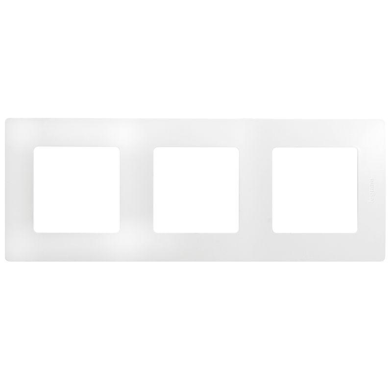 Купить со скидкой Рамка 3-я Legrand Etika (белый)